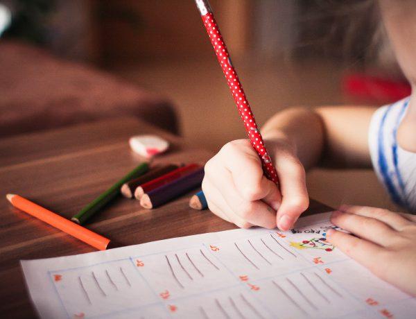 Wie_bei_Hausaufgaben_helfen-Hausaufgaben-Schule